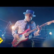 Playing For Change Band - That's What Love Will Make You Do feat. Vasti Jackson | Live | Video