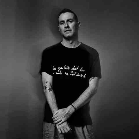 James Lavelle aka UNKLE veröffentlicht den zweiten Teil seiner TripHop-Electronica-Trilogie THE ROAD • 2 Videos + Album-Stream