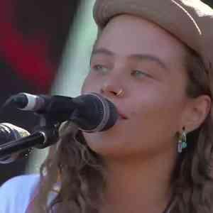 Tash Sultana LIVE @ Chile Lollapalooza 2018 (full concert Video)