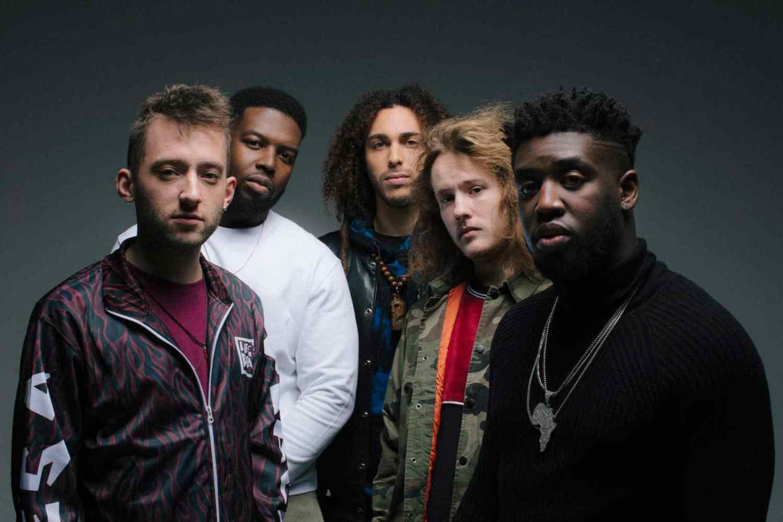UK Jazz Invasion: Londoner Jazz-Quintett Ezra Collective veröffentlicht Debütalbum