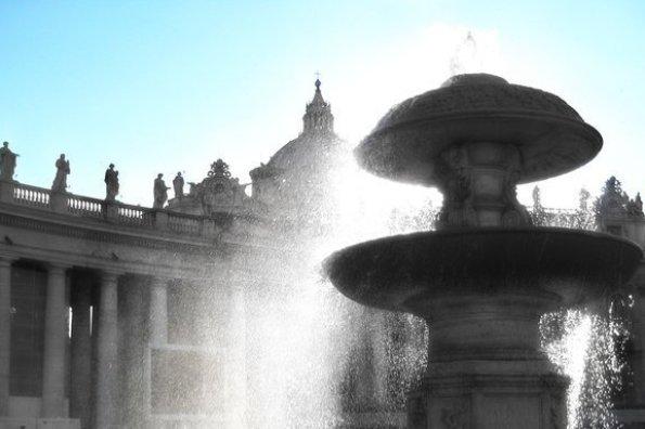 Vatican Fountain Sky