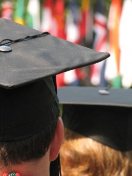 graduate-525x700