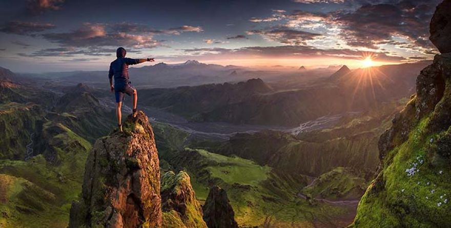 Spine-chilling-Photographs-From-On-Top-Of-The-World__880