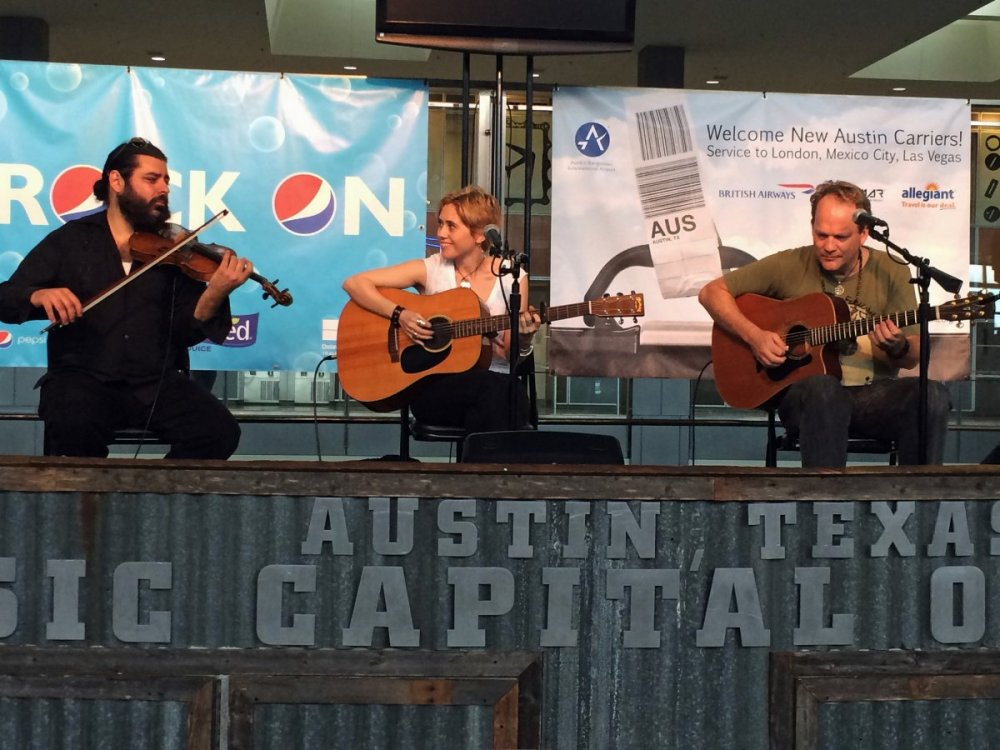 every-week-the-austin-bergstrom-international-airport-in-austin-texas-hosts-live-music-concerts-giving-you-the-chance-to-catch-shows-featuring-everything-from-jazz-to-swing
