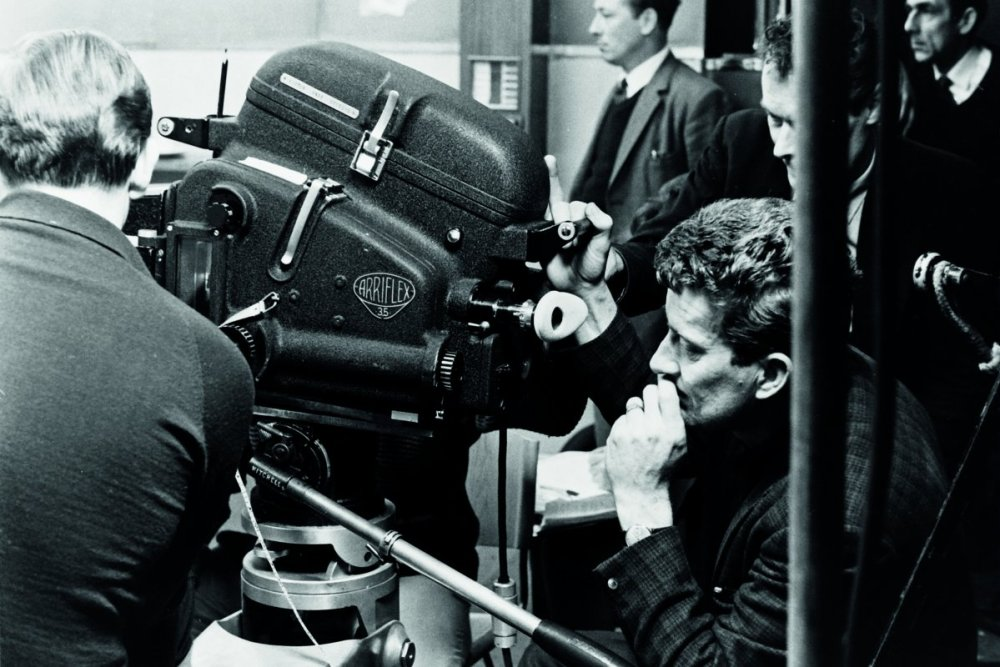 this-was-shot-from-behind-the-scenes-of-a-hard-days-night-the-bands-feature-film-debut-in-the-flick-starr-can-be-spotted-walking-with-a-camera-around-his-neck-and-taking-pictures
