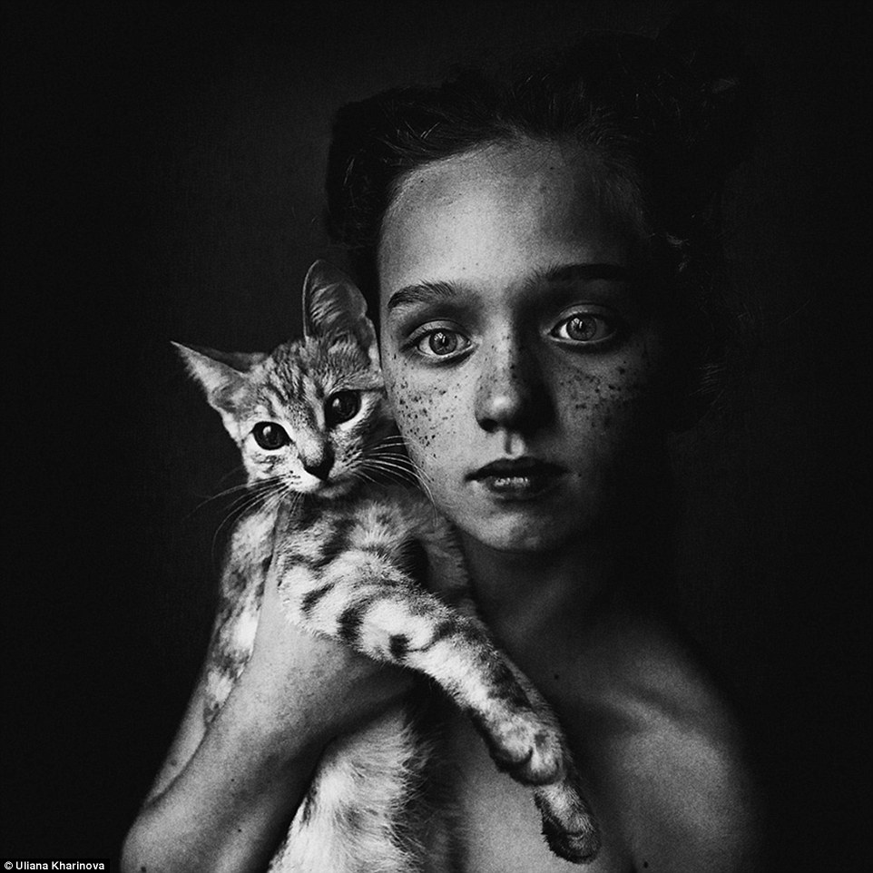 2F23AC7A00000578-3349290-In_this_black_and_white_photo_captured_by_Russian_photographer_U-a-7_1449498988635