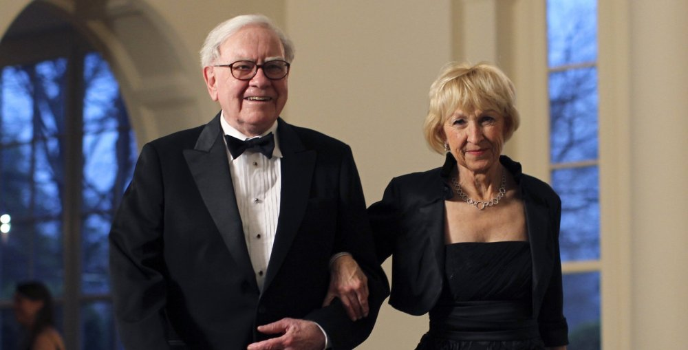 Warren-Buffett-and-his-wife-Astrid-Menks