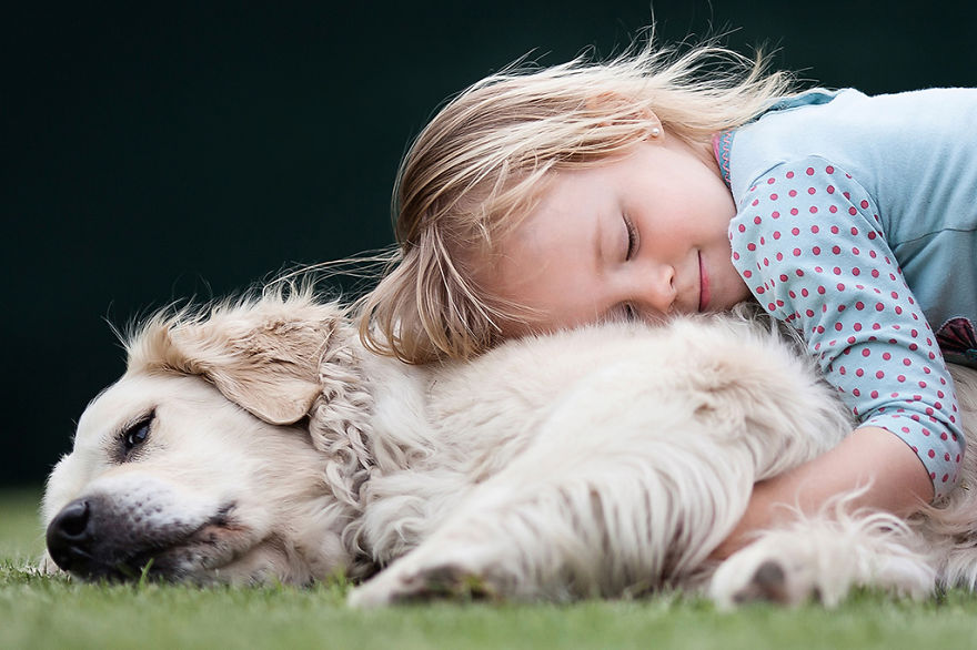 photographers-from-all-over-the-world-capture-amazing-photos-of-children-and-animals-22__880