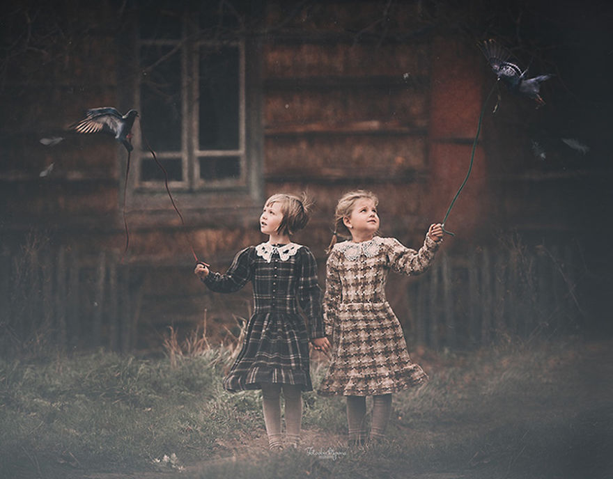 photographers-from-all-over-the-world-capture-amazing-photos-of-children-and-animals-2__880
