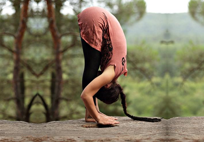 uttanasana-poses-yoga