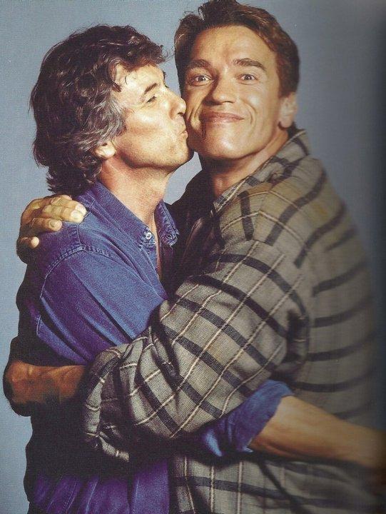 Пол Верховен и Арнольд Шварценеггер во время съемок фильма «Вспомнить все», 1989 г.