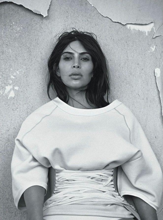 Kim-Kardashian--Vogue-Australia-2016--03-662x893