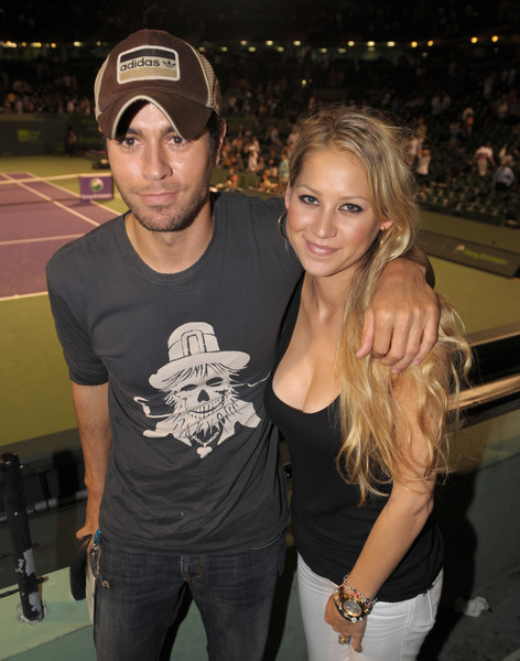 EXCLUSIVE: Enrique Iglesias and girlfriend Anna Kournikova are very much in love at the Sony Ericsson Open Day 11