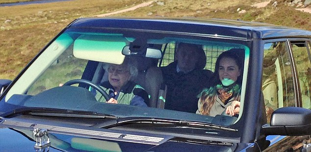 QUEEN AND KATE 06.jpg