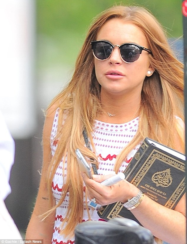 3C2E24F900000578-4125174-New_year_new_Lohan_Lindsay_Lohan_30_deleted_all_the_photos_on_he-a-22_1484587118351