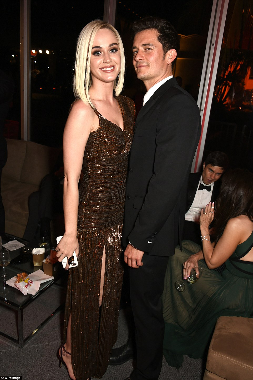 3DBD863700000578-0-Look_of_love_Katy_hung_with_her_boyfriend_Orlando_Bloom_40_who_s-a-9_1488181785187