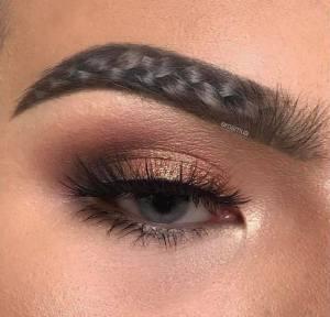 Новый бьюти-тренд: плетеные брови
