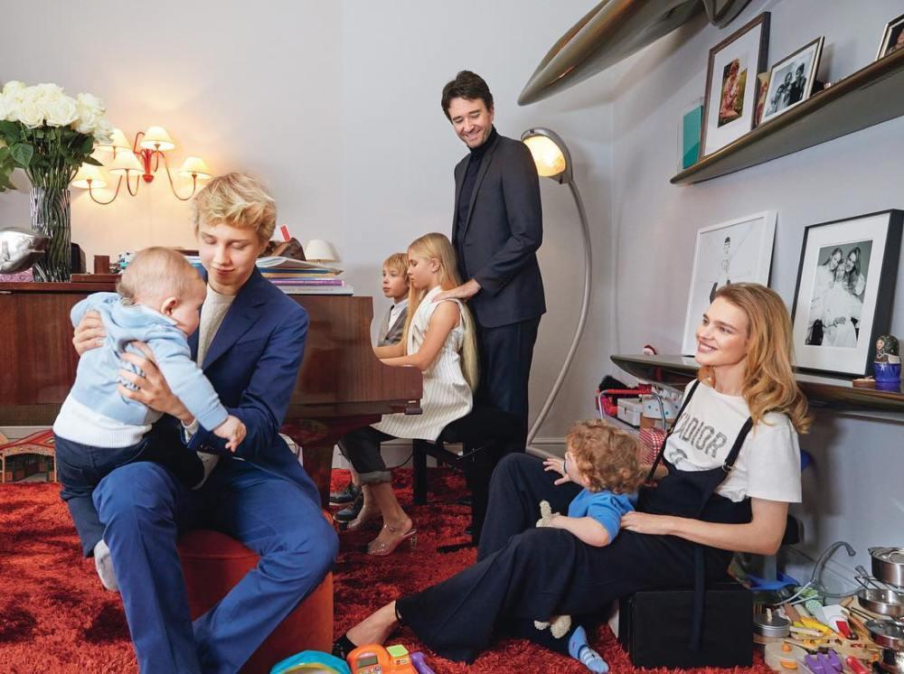 Наталья Водянова впервые показала всех своих 5-х детей — фото