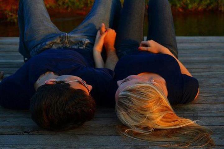 фото красивых влюбленных пар целующихся со спины где девушка блондинка веками именно размер