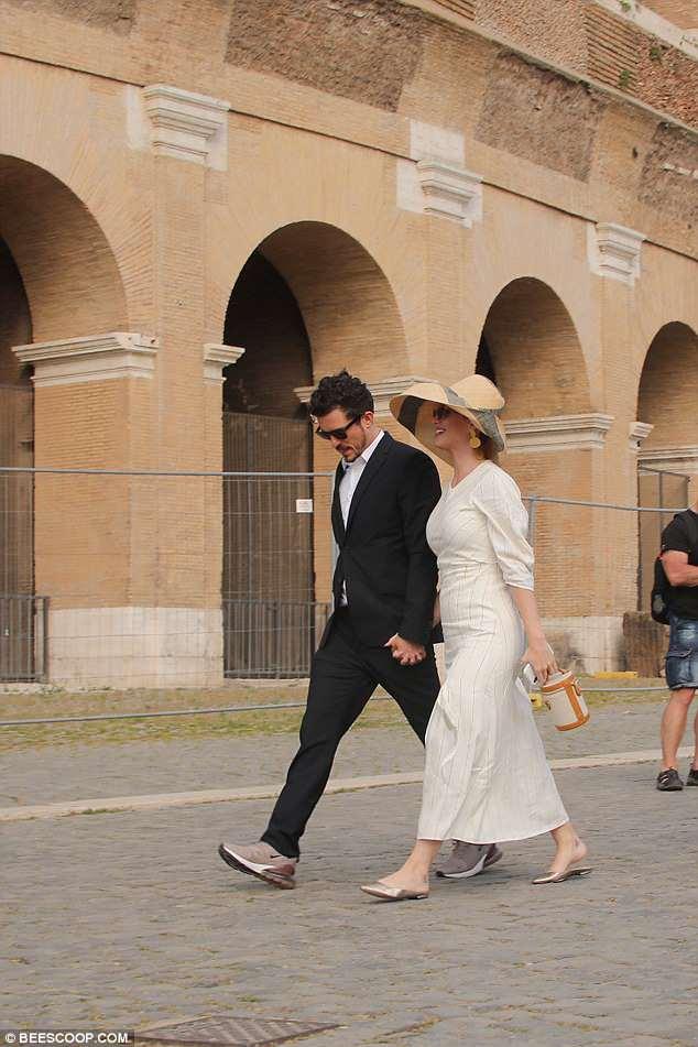 Кэти Перри и Орландо Блум попросили благословения у Папы Римского? Фото