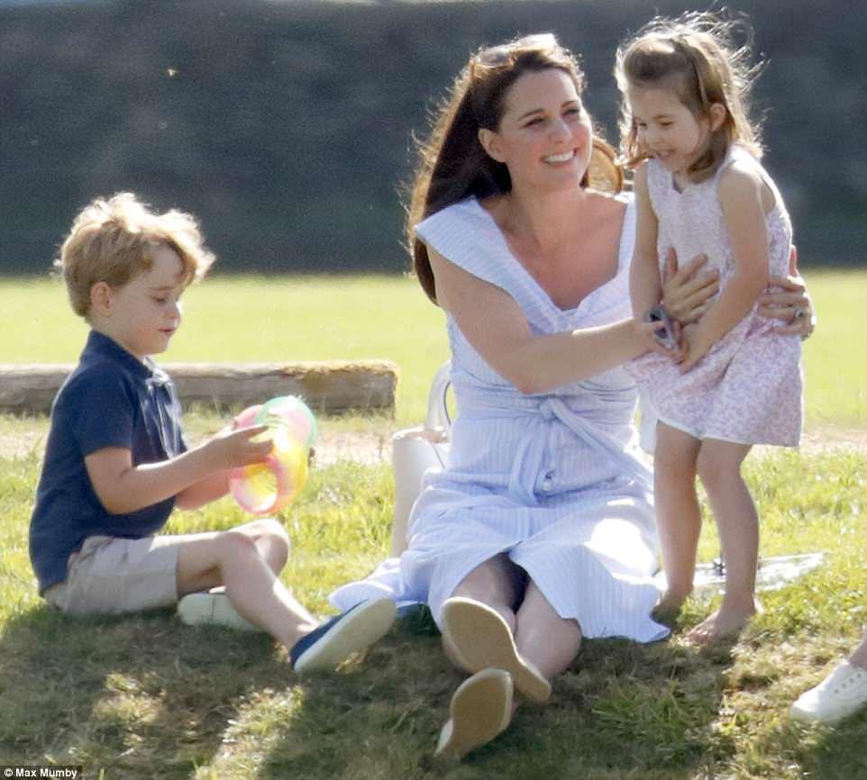 Кейт Миддлтон заметно постройнела через 7 недель после третьих родов — фото