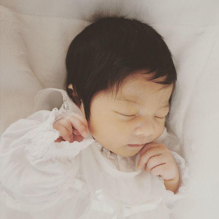Этой малышке всего полгода, но ее шевелюра принесла ей 70 тысяч подписчиков!