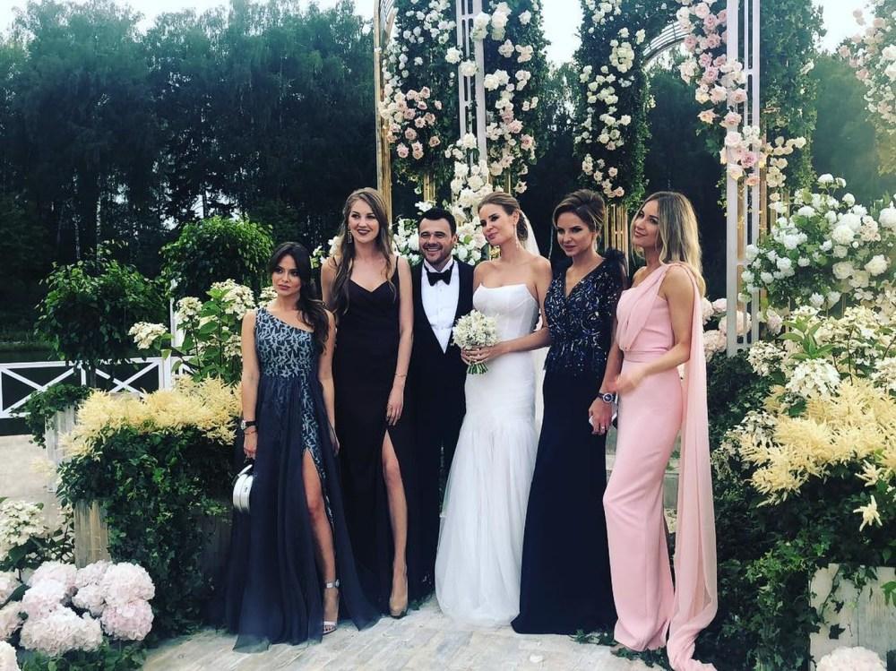 Эмин Агаларов женился, а Решетова нарушила свадебный дресс-код — фото