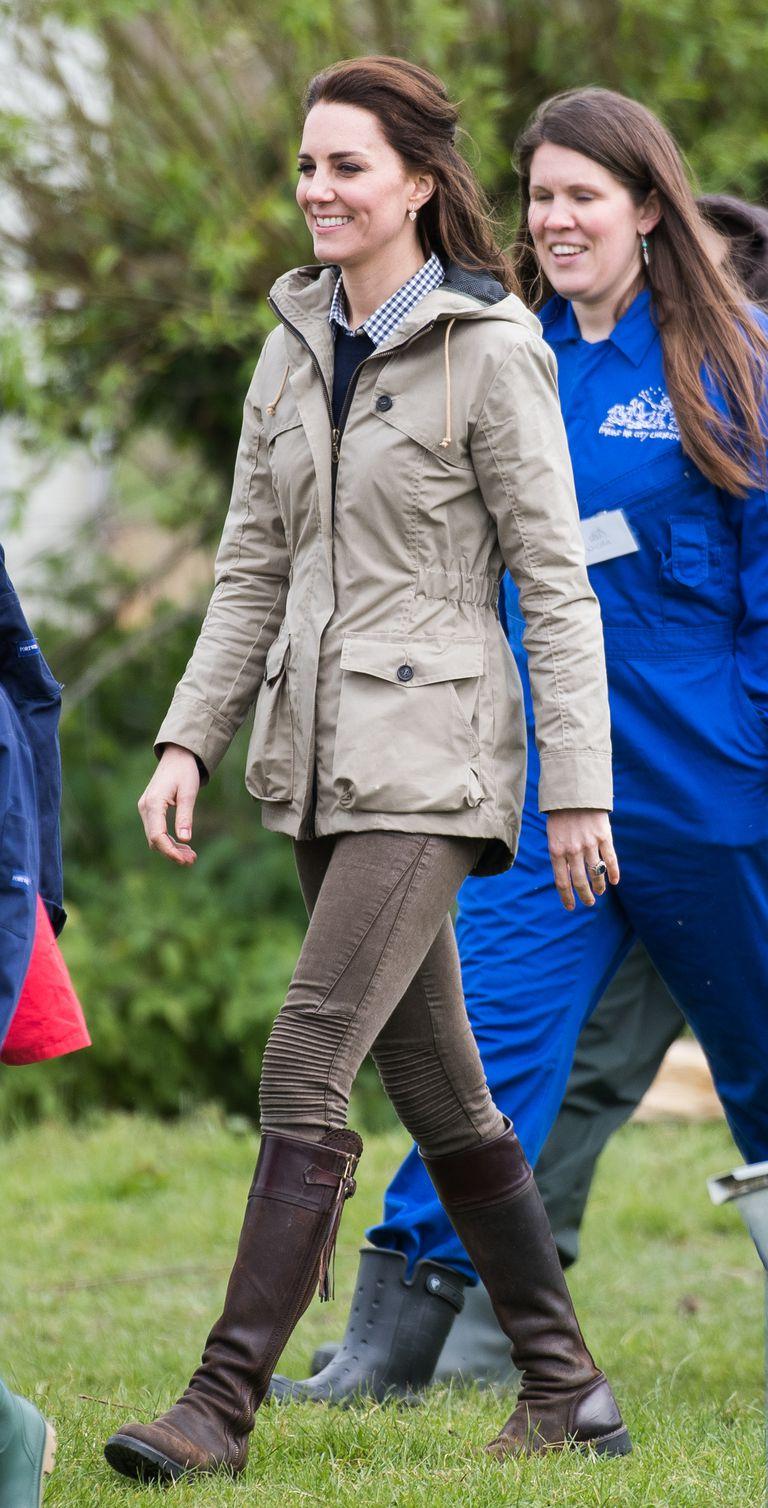 Кейт Миддлтон официально вышла из третьего декрета — фото