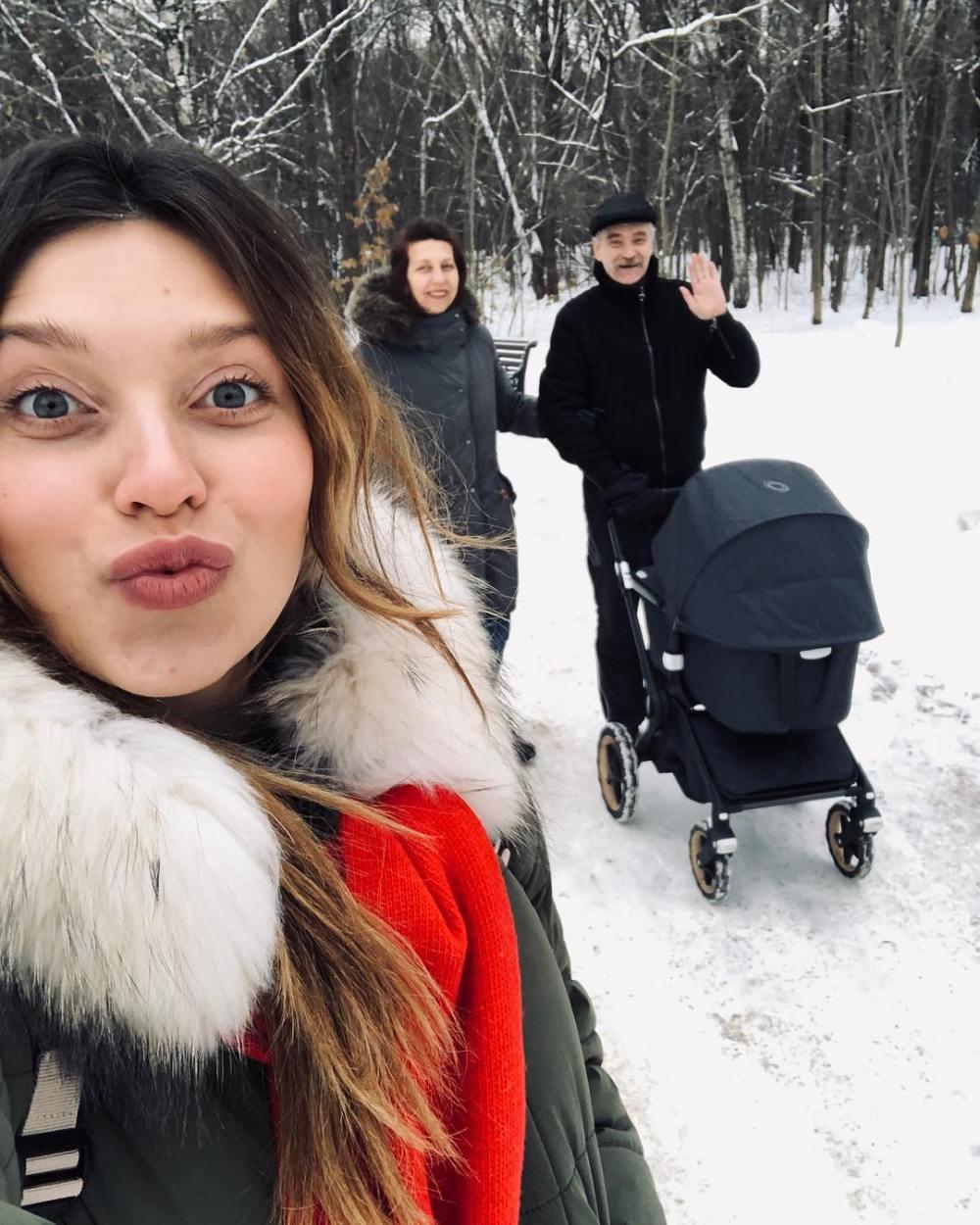 Регина Тодоренко показала ФОТО с сыном и родителями