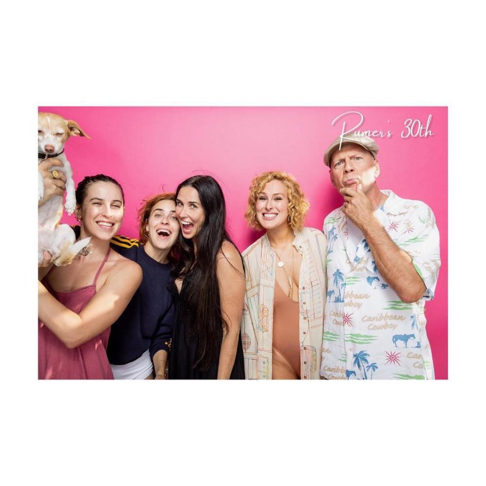 А вы видели всех 5 дочерей Брюса Уиллиса? Фото