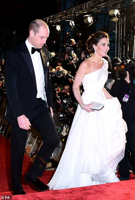 Кейт Миддлтон затмила всех в платье невесты на церемонии BAFTA — фото