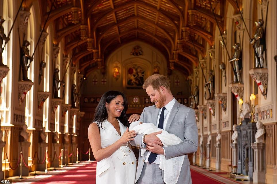 Как принц Гарри и Меган Маркл назвали новорожденного сына — фото