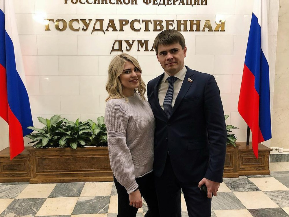 В сети обсуждают 20-летнюю внучку Михаила Боярского — фото