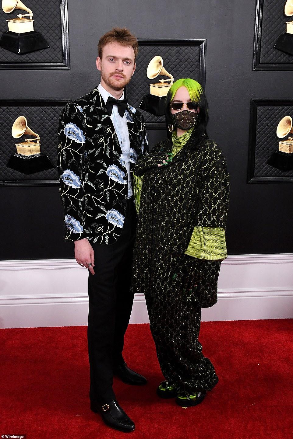 Звезды на красной дорожке Grammy Awards — фото