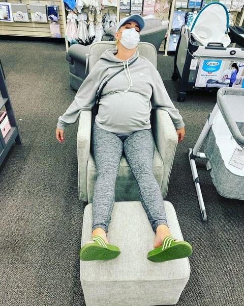 Кэти Перри показала честное фото через 4 дня после родов