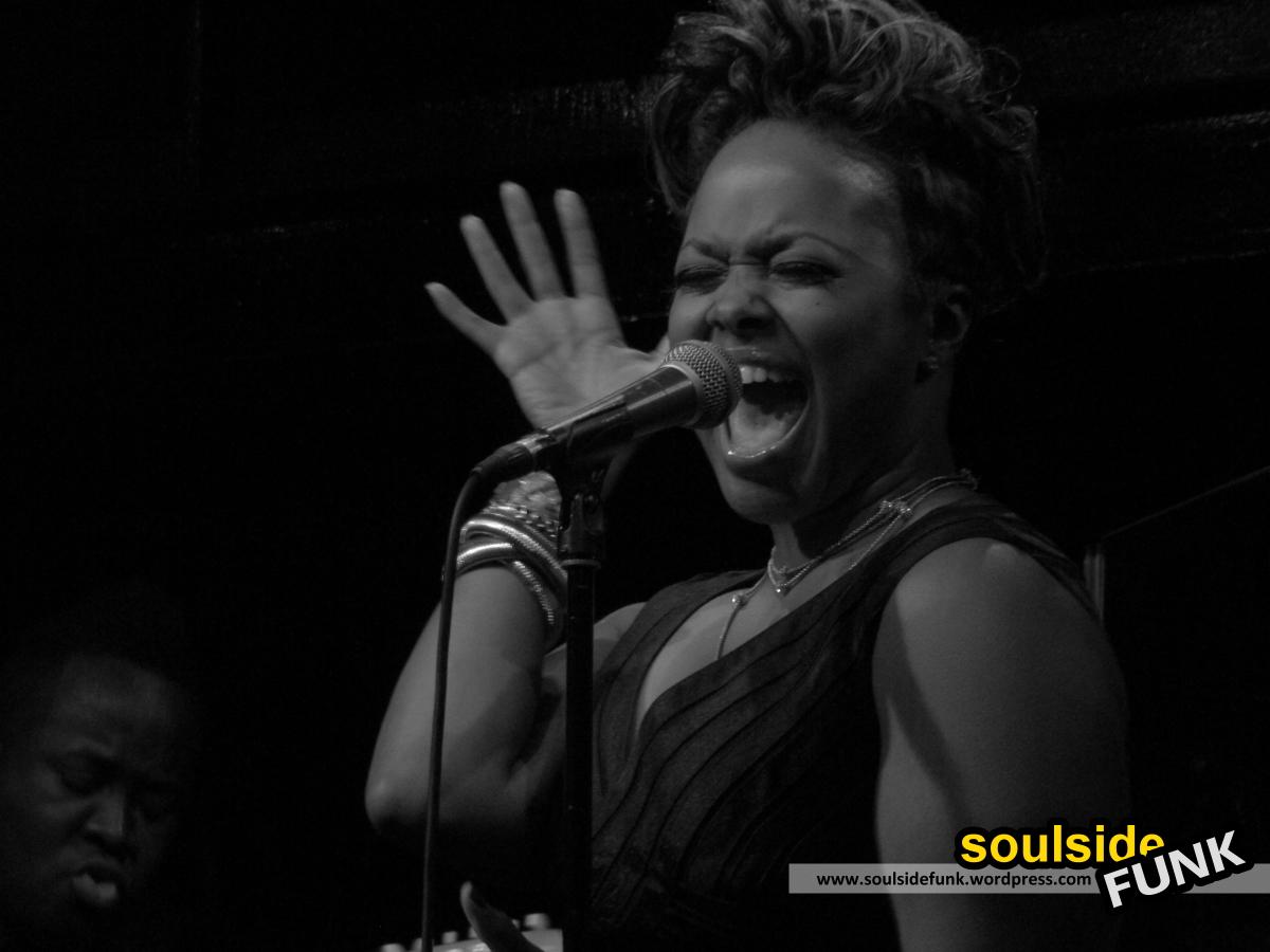 Chrisette Michele Jazz Cafe 02