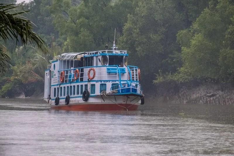 Boat trip sundarbans tour package Bangladesh