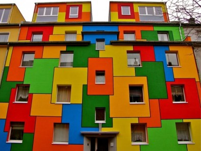 Colorful-House-Nippes-Cologne-Germany-620x465