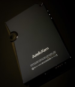 Обзор. Astell&Kern AK320. Причудливое пересечение плоскостей