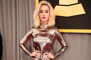 katy-perry-grammys-red-carpet-2017-billboard-1548