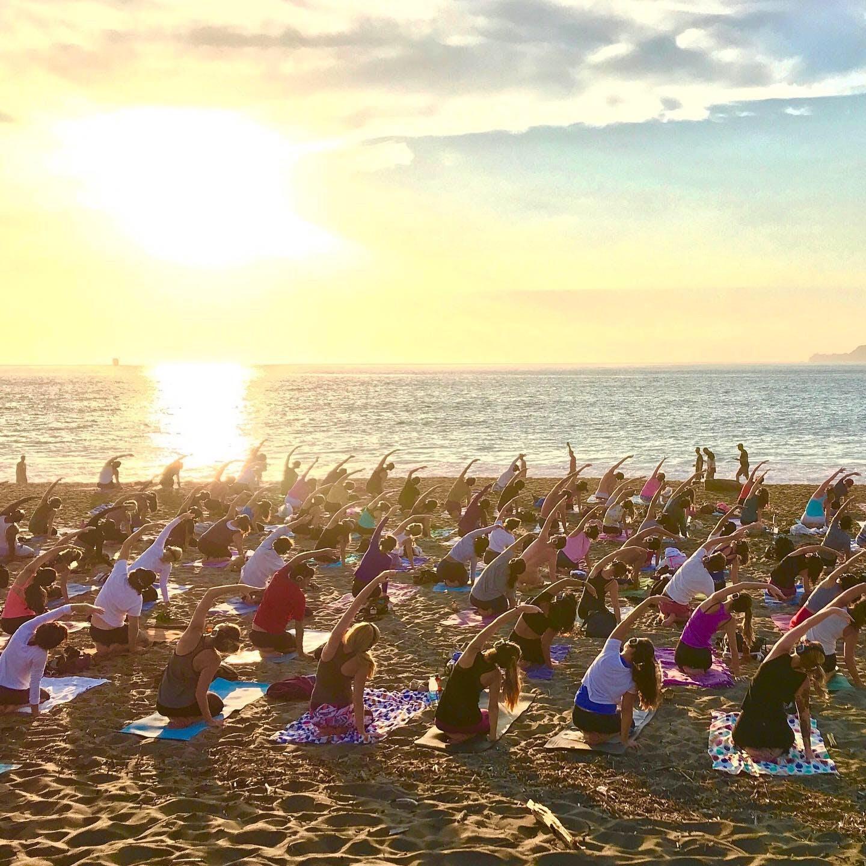 Sunday Zen Yoga with Dana Damara!