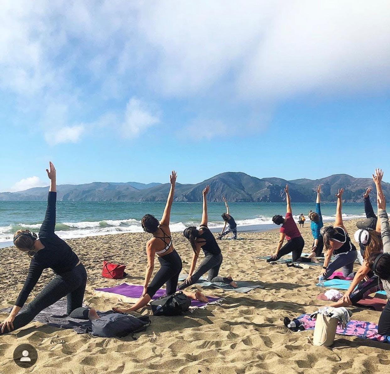 Saturday Groove : Beach Yoga with Sarah Allison!