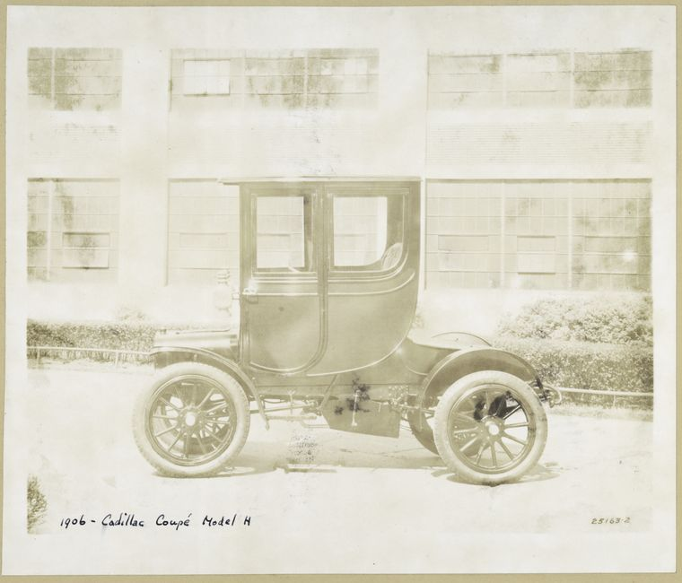 1906_-_Cadillac_Coupe_Model_H.