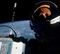 Buzz Aldrin in timpul misiunii Gemini 12 (1966)