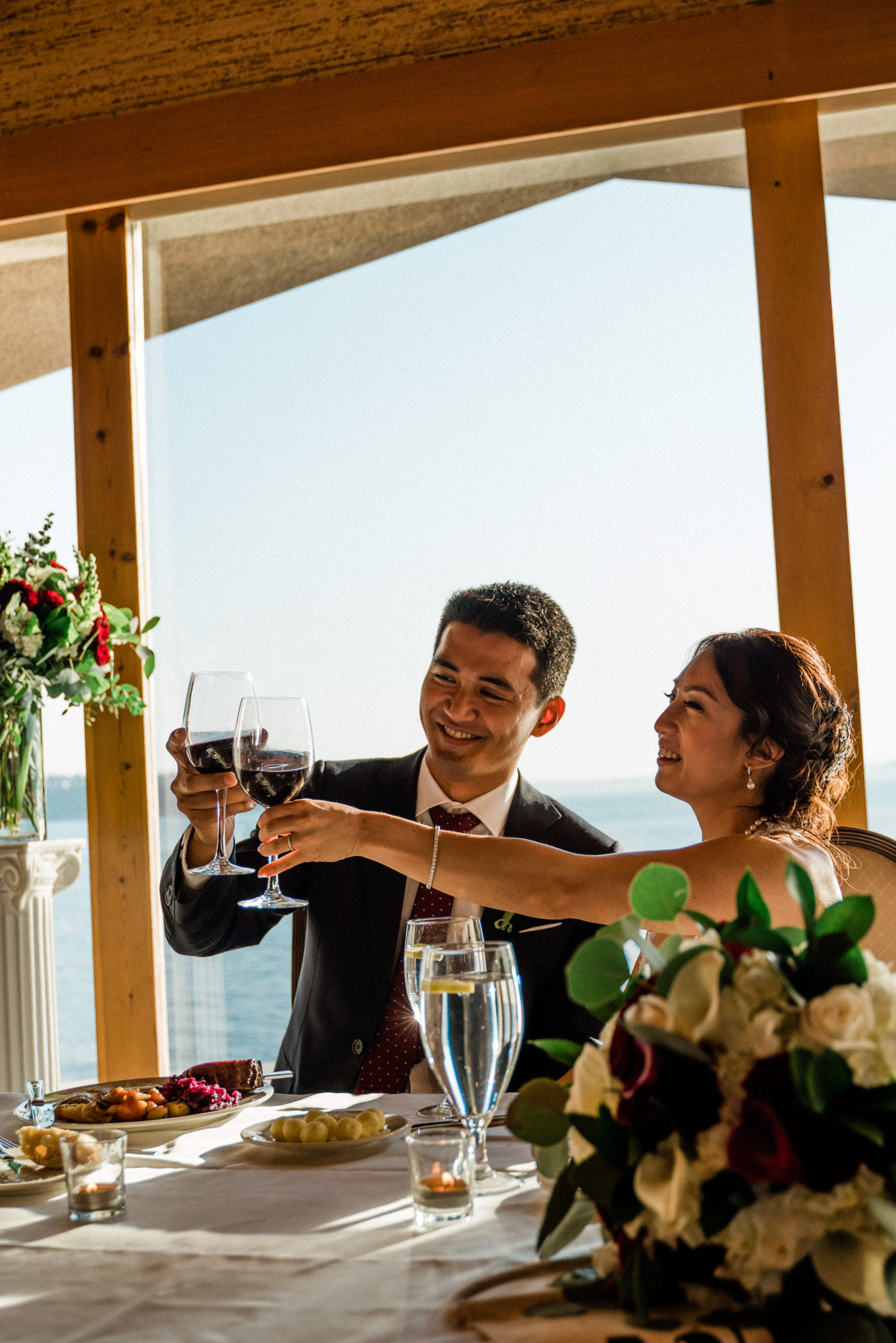 best man gives toast at edgewater hotel wedding