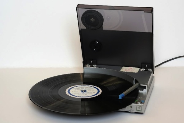portable_recordplayer-3