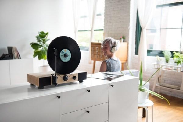 kickstarter-floating-record