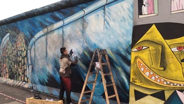 ベルリンの壁は現在アートギャラリーになっている