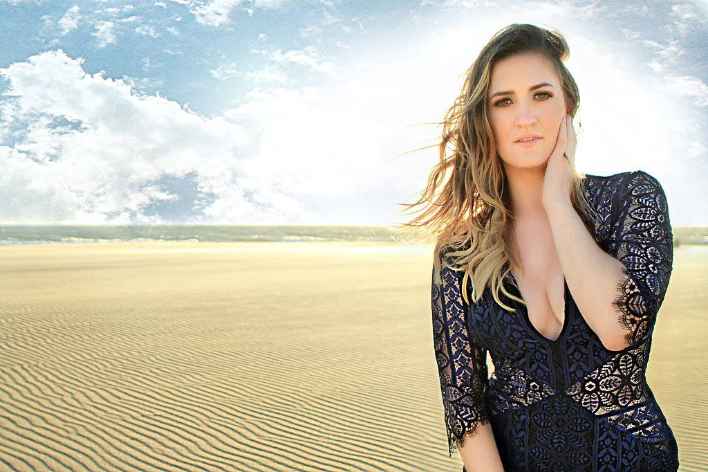 Lindsey Harper – Started As A Back Up Singer, Ended As A Lead Singer