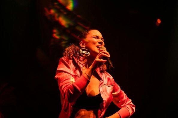 Thaïs Lona - La Révélation de la soirée à la Halle Tony Garnier - Jazz À Vienne 19/20 1